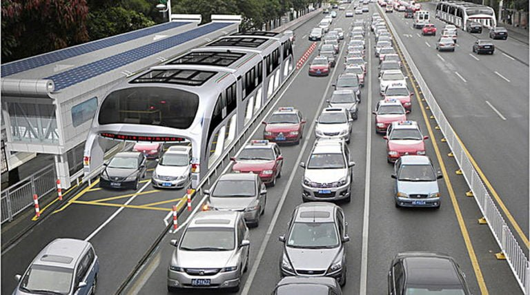 China Is Building Buses So Enormous That Cars Can Drive Underneath